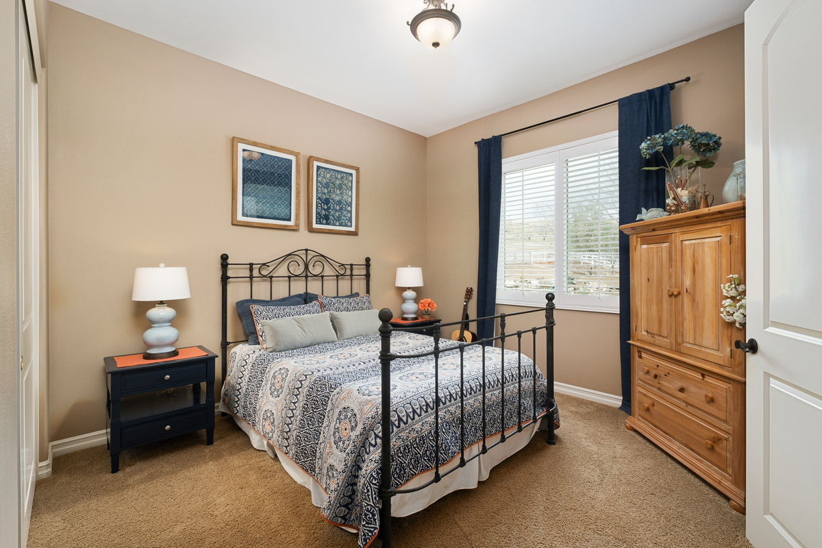Guest room in 43250 Midnight Ct, Banning, CA 92220
