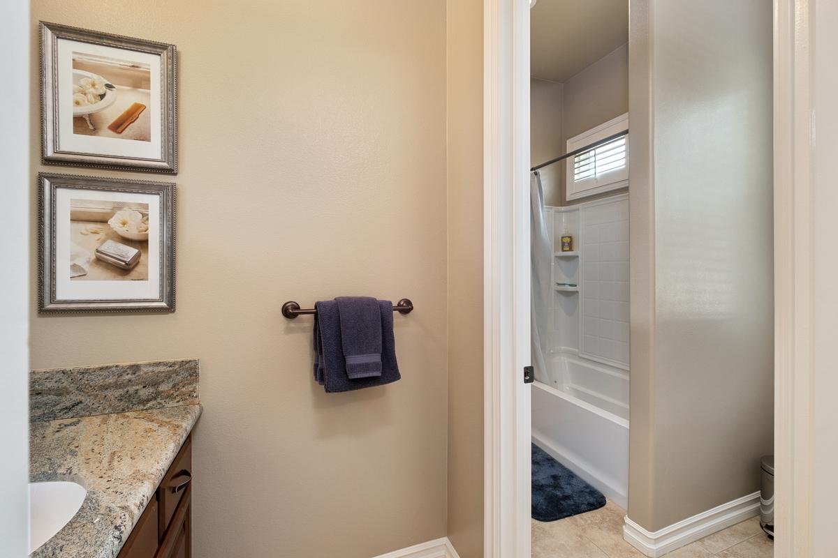 Guest bathroom in 43250 Midnight Ct, Banning, CA 92220