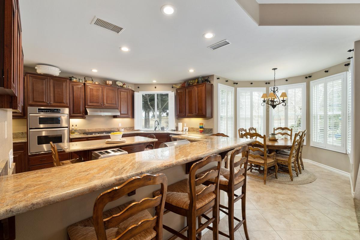 Kitchen in 43250 Midnight Ct, Banning, CA 92220